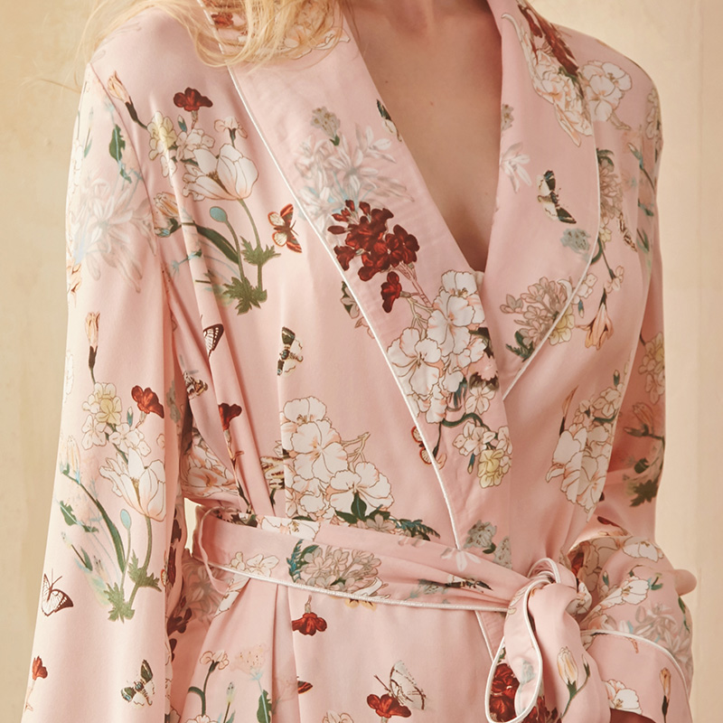 USD 101.80  rosetree retro sexy robe spring and autumn silk robe ... 0ec9b4431
