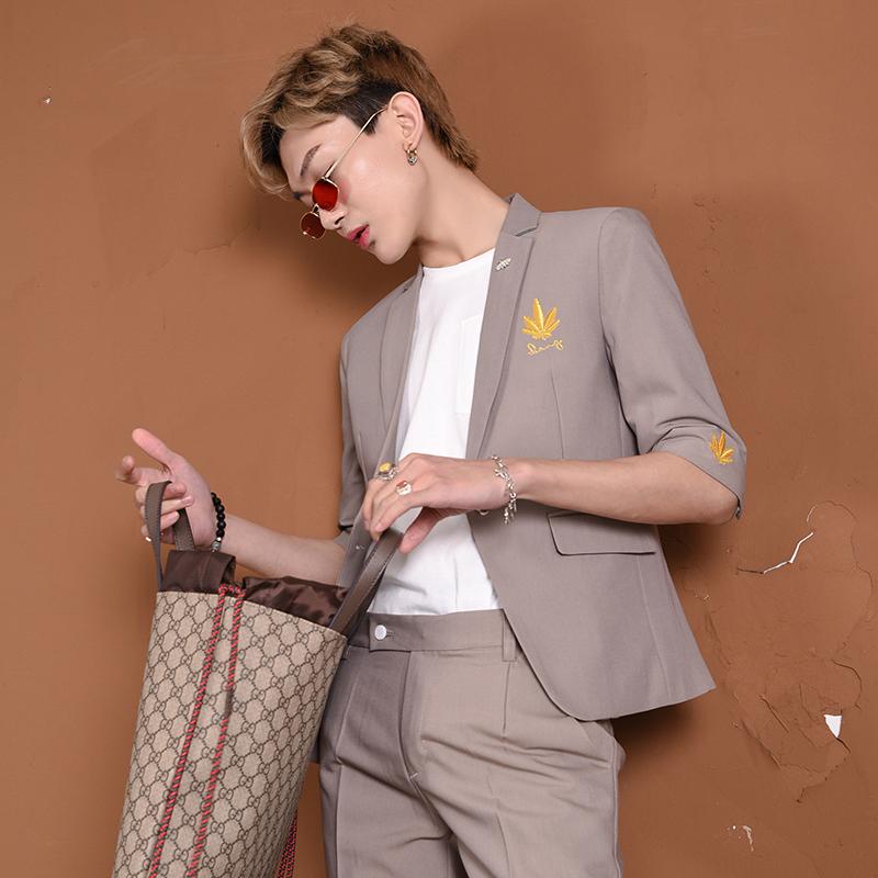 【爱穿帮】夏季刺绣中袖小西装套装男韩版网红发型师西服薄款帅气