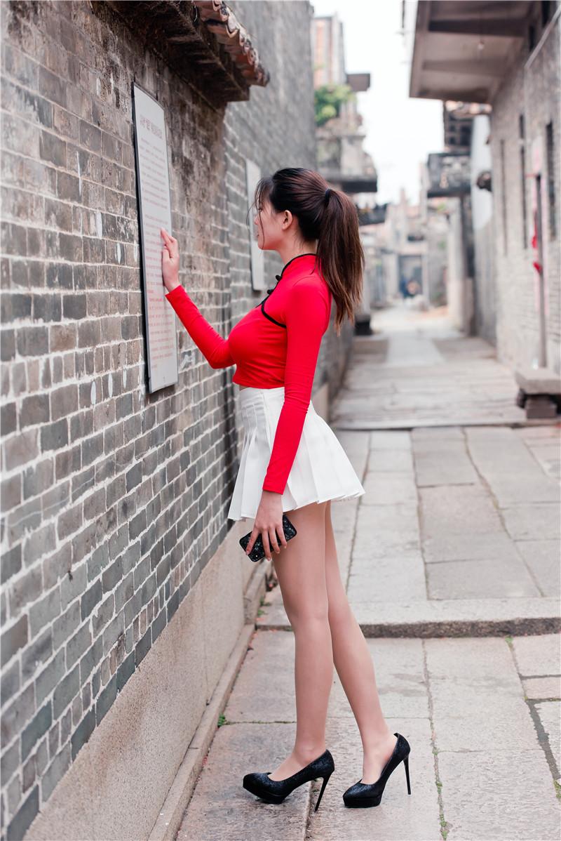 红衣短裙高跟美女 【套图+视频】 61036103 帖子ID:13