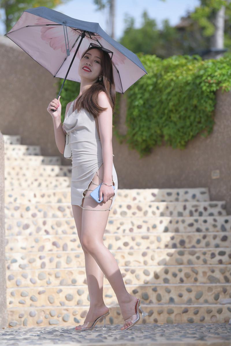 红石旅拍摄影作品第三篇浅黄色包臀裙美女【套图+视频】 26632663  帖子ID:842