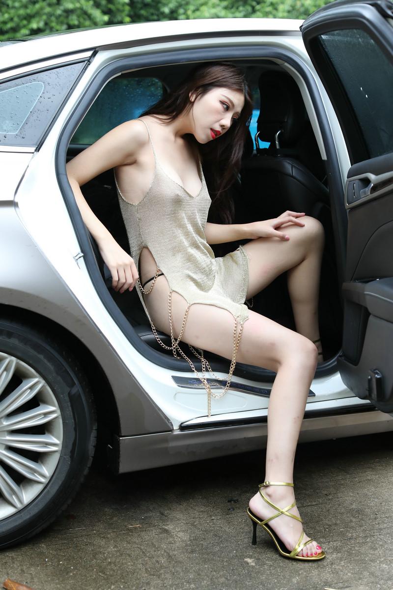 雨后的超白大长腿性感美女热裤高跟太诱惑【套图】 38163816 魔镜原创摄,魔镜街拍,性感美腿,街拍第一站,街拍美女, 帖子ID:591