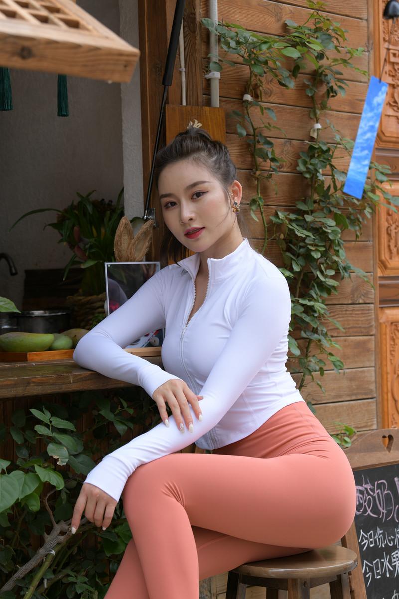 魂魂大理旅拍作品第二篇珊瑚色瑜伽裤小姐姐【视频+图片】