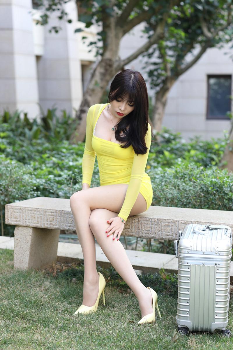 芝芝性感黄色包臀裙【套图+视频】 59495949  帖子ID:662