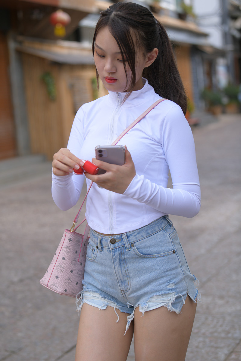 红石大理旅拍作品第六篇热裤小妹【视频+图片】 51985198 帖子ID:770