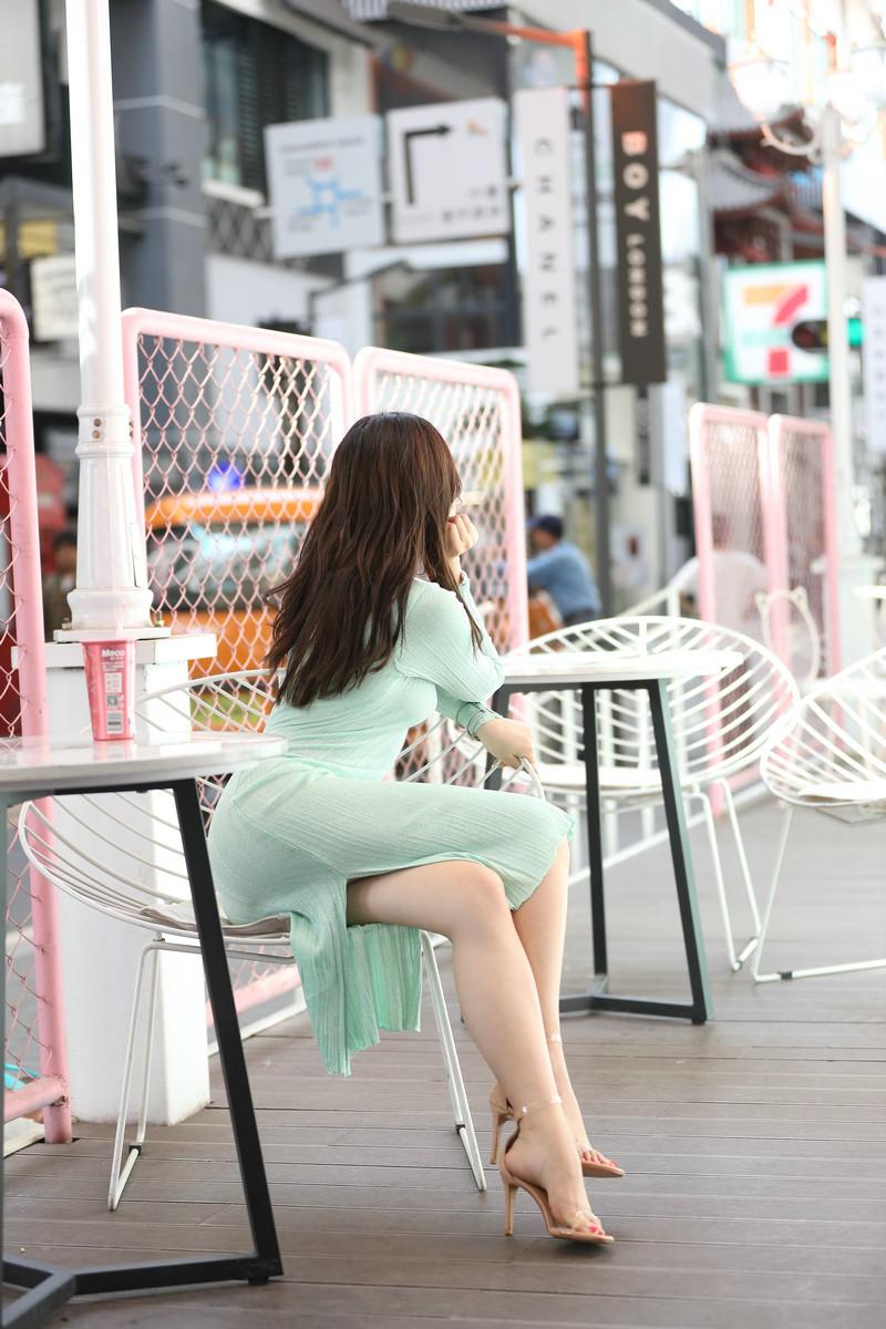 芝芝性感浅绿色包臀裙【套图+视频】 48964896  帖子ID:659