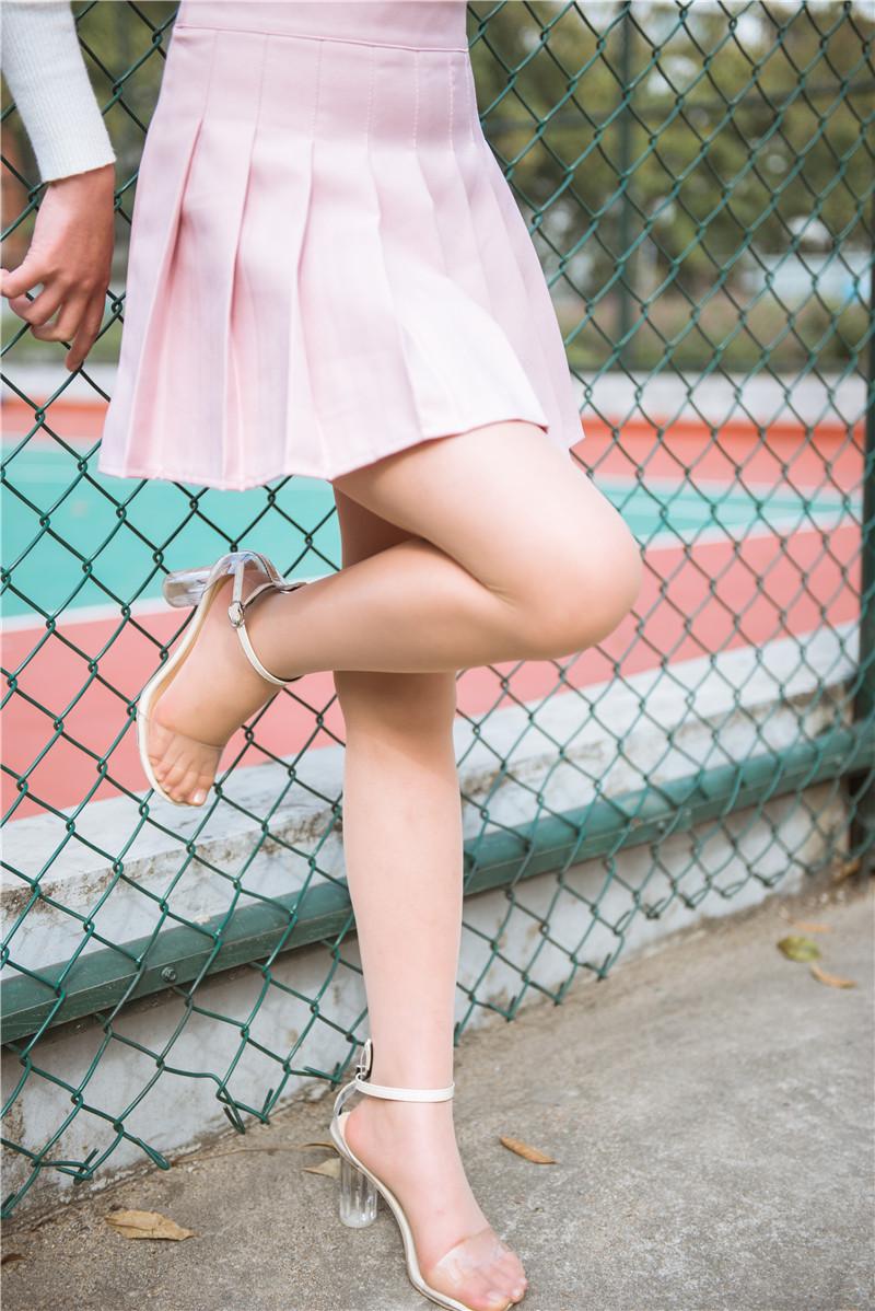 公园里的肉丝美腿美女穿着粉色小短裙【套图】 78577857 3a街拍,丝袜街拍,街拍美腿,街拍肉丝,丝袜美腿美女, 帖子ID:72