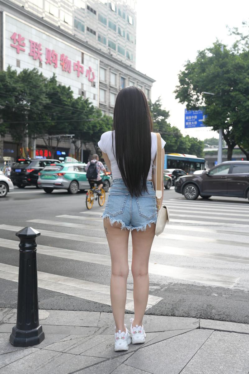 慕容笙模拍作品热裤小妹【套图+视频】 203203  帖子ID:810