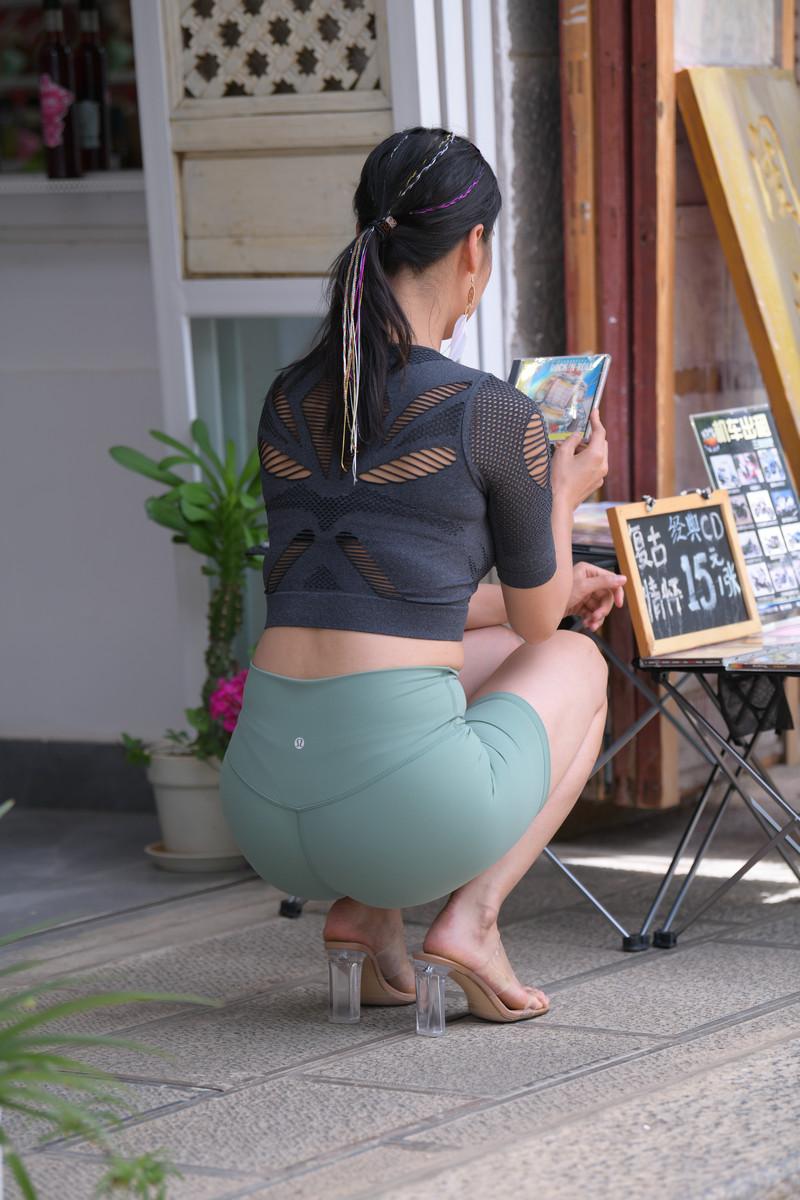 魂魂大理旅拍作品第六篇绿色短裤美女【图片】 65356535  帖子ID:768