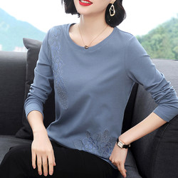 Cotton long-sleeved t-shirt female 2020 Spring and Autumn loose wild Western style shirt tops elderly mother outer wear