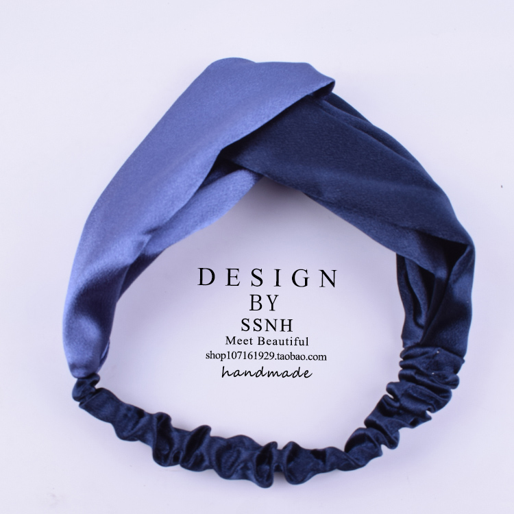LIGHT BROWN  COLOR MATCHING NAVY + DARK BLUE