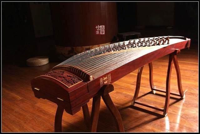 古筝作为乐器,本身也就是一件艺术品
