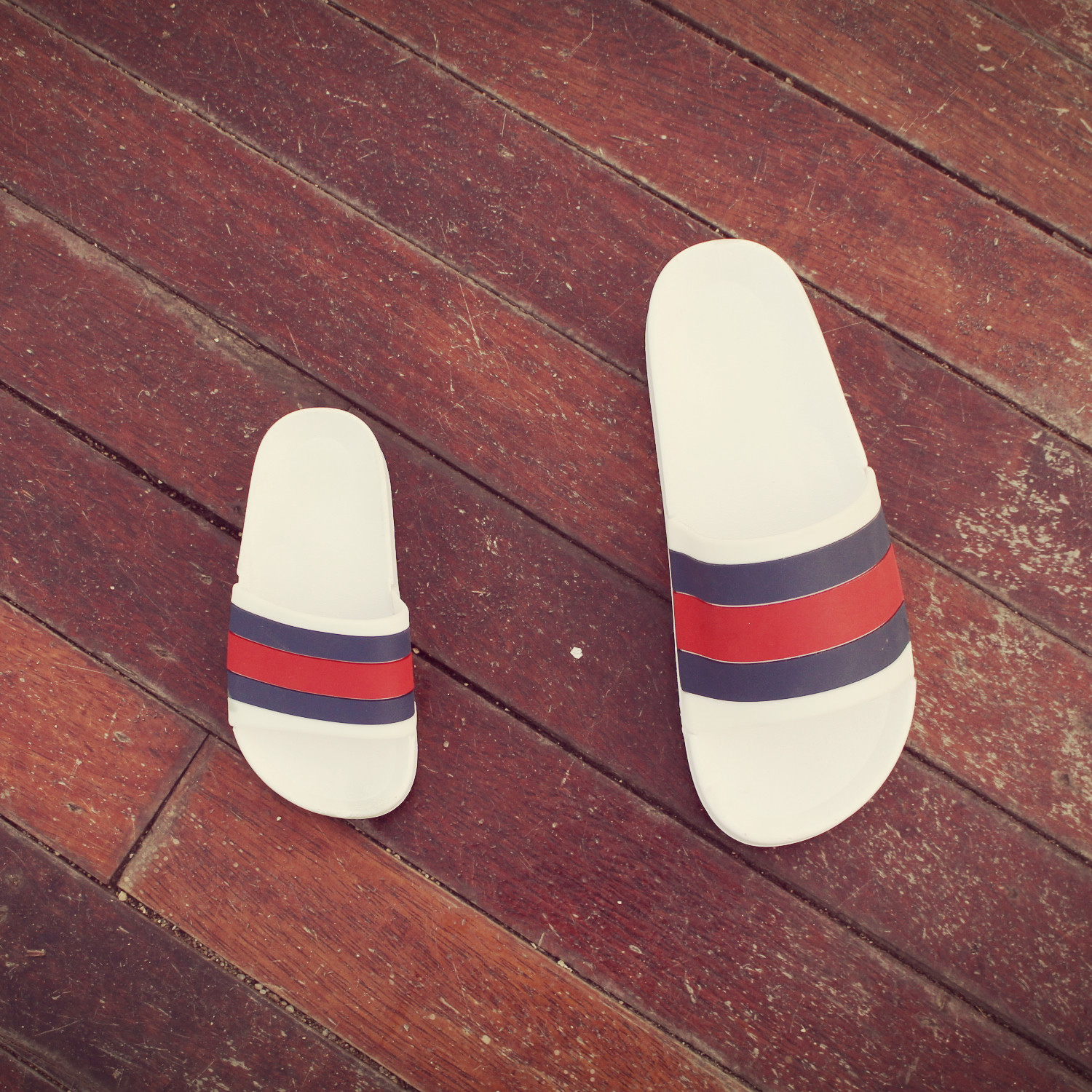 New rainbow color matching striped sandals and slippers thick bottom parent-child models slippers beach cute girls summer children's slippers