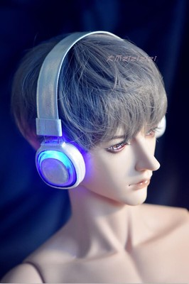 taobao agent 【Big paw sold out】Luminous earphones, black and white double color, September new luminous earphone bjd earphone