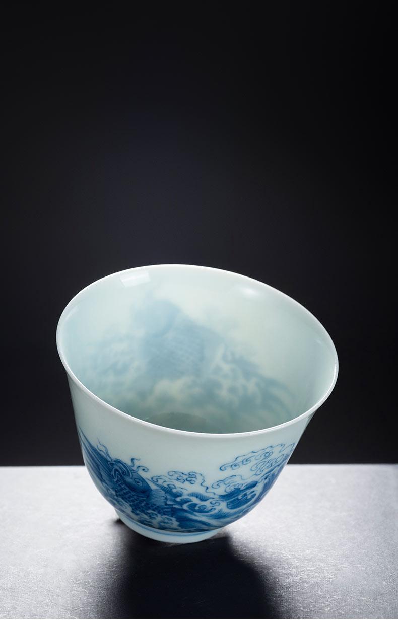 Porcelain jingdezhen ceramics worship cup on kung fu master cup blue and white Porcelain cup sea carp jump longmen