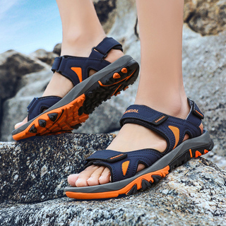 Сандали, туфли,  Сандалии мужчина лето 2020 новый шлепанцы скольжение двойной верхняя одежда тенденция мужской случайный на открытом воздухе вьетнам песчаный пляж обувной, цена 907 руб