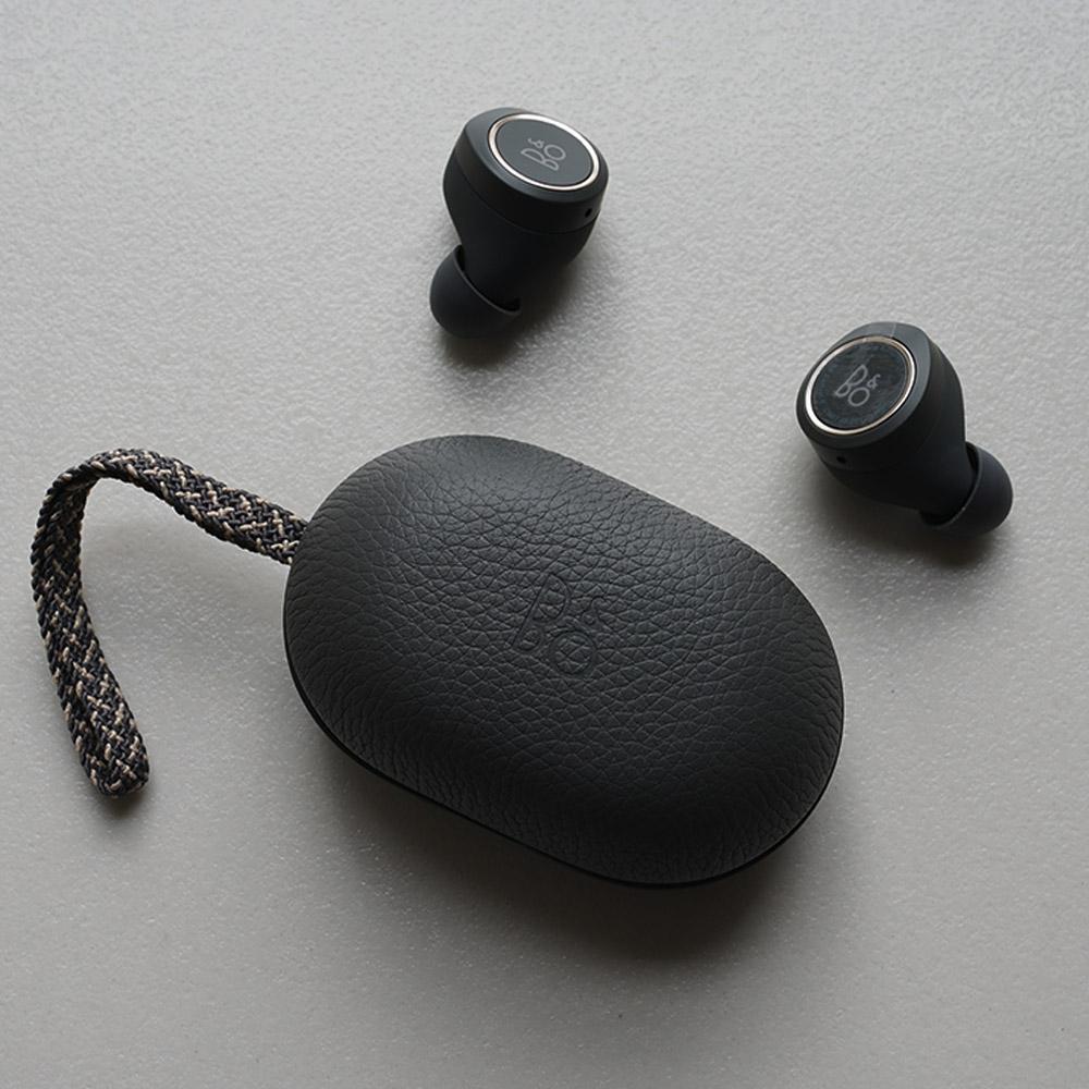 摆脱缠绕耳机线,真无线耳机让你优雅听歌