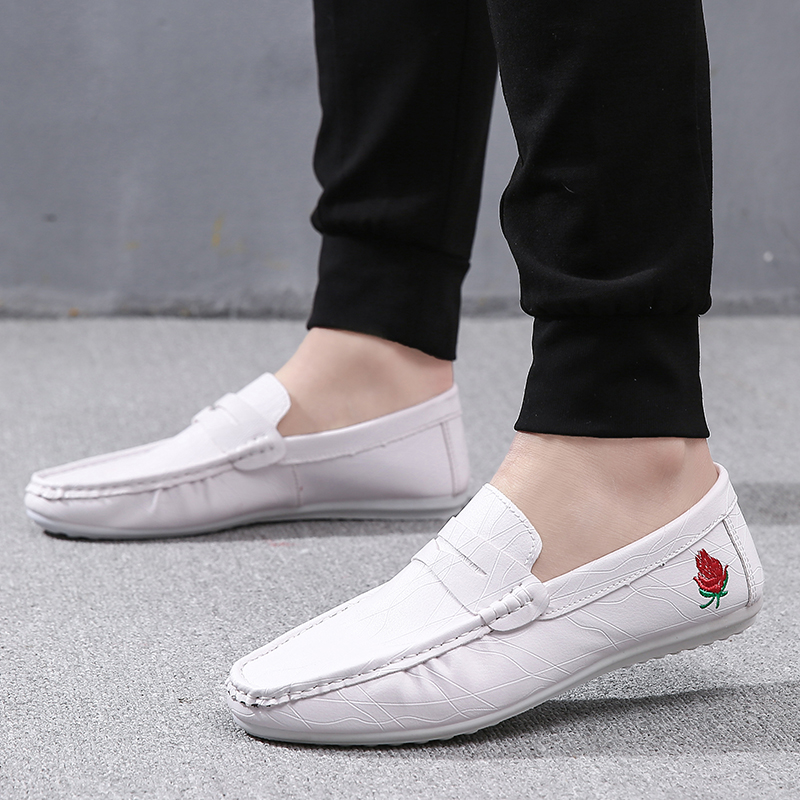 4dfe4de2c813e Shoes male 2019 new white peas shoes male Korean version of wild fast hand  Red personality lazy shoes casual shoes