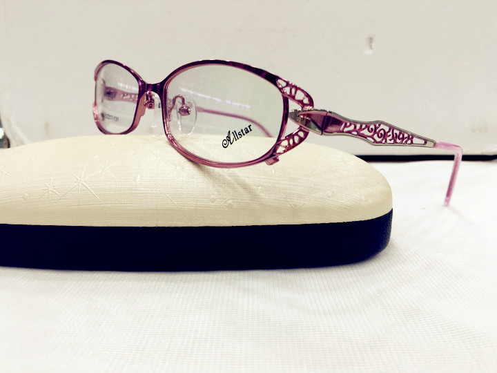 635e1fbefb83 Ladies fashion reading glasses frame comfortable HD reading glasses resin  simple and elegant portable