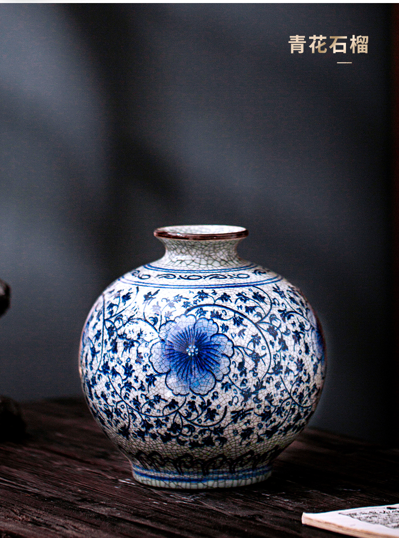 Antique vase of blue and white porcelain of jingdezhen ceramics furnishing articles flower arranging Chinese rich ancient frame handicraft large living room