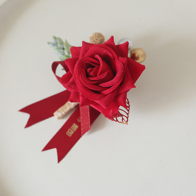 Red wedding Groom Bride wedding Corsage Parents Best man Bridesmaid Lapel Flower VIP beautiful creative full set