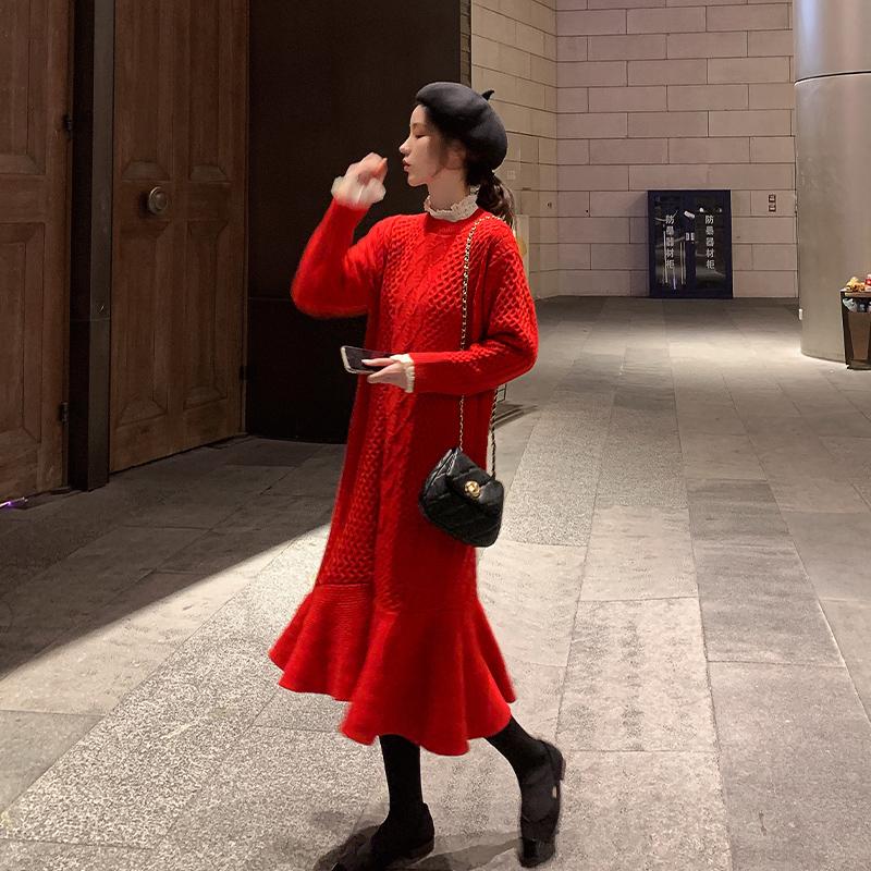 秋冬裙新年衣服女毛衣拜年连衣女装过年鼠年裙子2020红色鱼尾新款