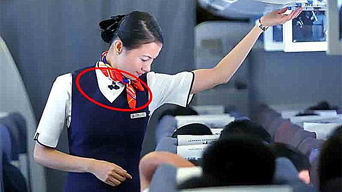 空姐为什么要戴丝巾?原因竟然有点尴尬