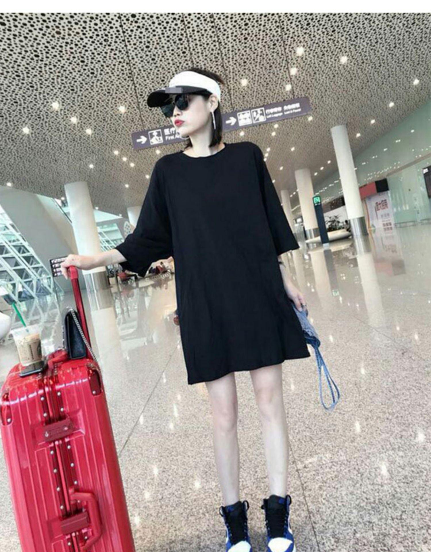 欧洲站女装新款春季欧货潮时尚牛仔吊带套装裙黑色恤洋装详细照片