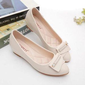 优质软皮坡跟单鞋时尚百搭软底平底豆豆皮鞋