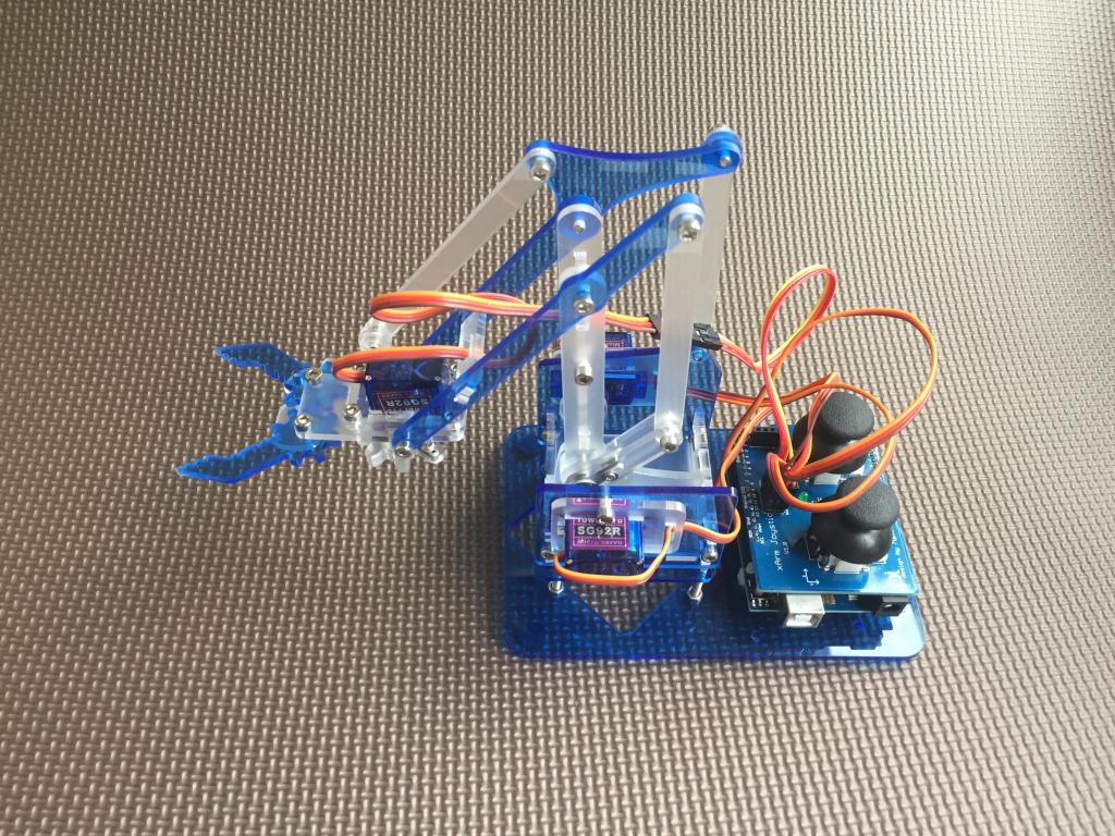 meArm raspberry pie mechanical arm smart car / Arduino wireless