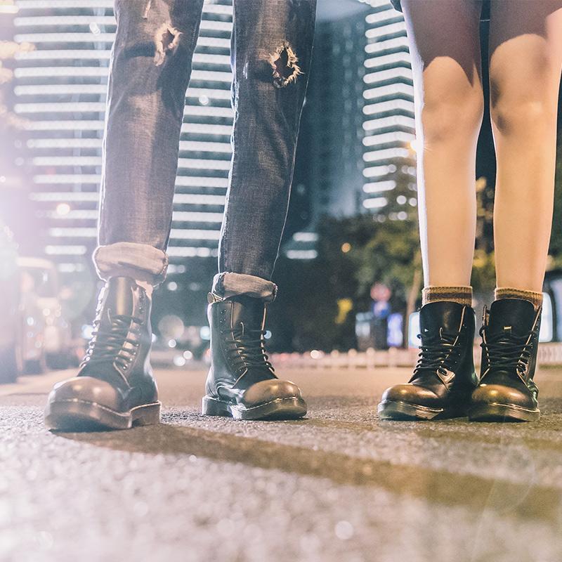 男鞋冬季2018靴子男复古马丁靴男高帮英伦工装鞋男潮百搭短靴情侣