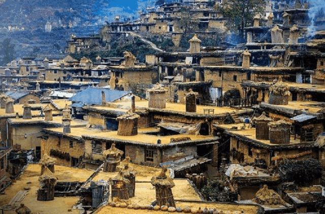 """中国最""""奇异""""的村庄,800多间房连通"""