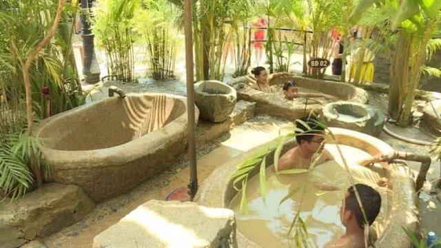 """""""越洗越脏""""的温泉,游客却很喜欢?"""
