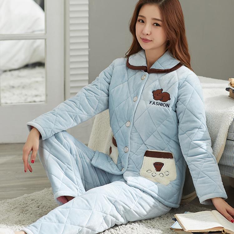 . Áo khoác nữ mùa đông dày ba lớp cộng với đồ ngủ bằng vải nhung san hô nhung một mảnh áo khoác nữ mùa đông ấm áp - Pyjama