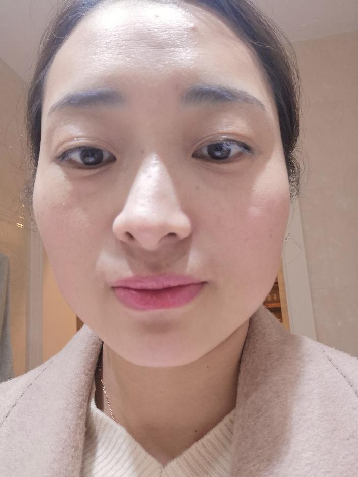 性感的小嘴唇she likes amelie比较符合我这种大女人气质的口红