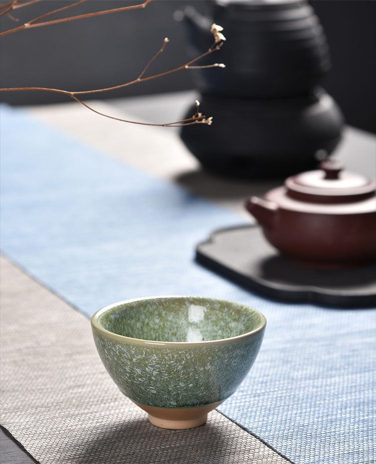 Ancient sheng up with the new four seasons built one master single CPU whitebait tea sample tea cup, ceramic temmoku cup silver cup