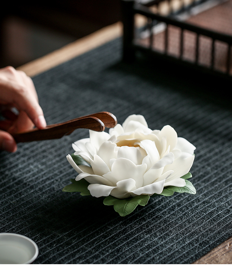 By zen ceramic incense inserted a household lotus fragrance perfume tray of peony Chinese tea taking is placed By hand