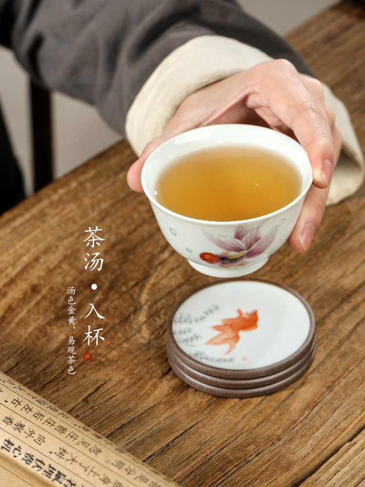 Pure manual Chinese tea master cup single CPU jingdezhen hand - made goldfish sample tea cup ceramic restore ancient ways for a cup of tea