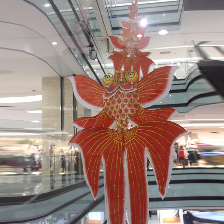 装饰金鱼风筝舞台道具商场中庭装饰特色立体手工轧制