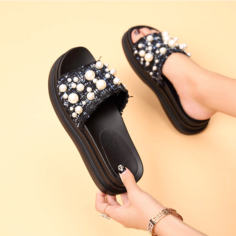 31ec0f2b2dec7 Flat slippers female summer wear soft bottom leather 2019 summer New thick  sandals slippers Pearl Beach shoes word drag