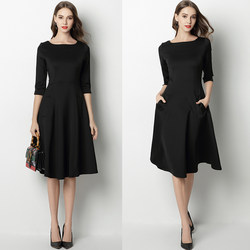 Hepburn style little black dress 2020 autumn and winter new female waist slimming skirt black high-end temperament A-line dress