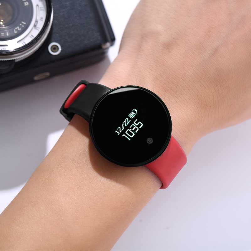 BLACK AND RED [WATERPROOF + CALL REMINDER + SPORTS STEP + VIBRATION ALARM + SLEEP MONITORING + REMOTE CONTROL CAMERA]