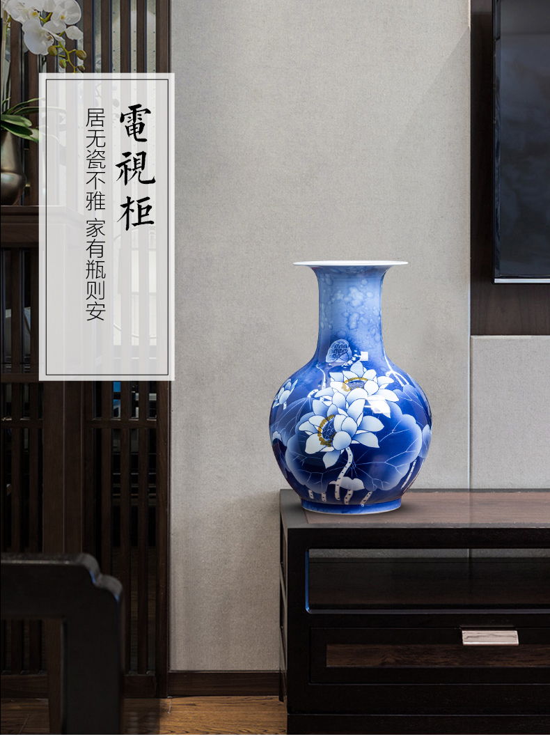 Jingdezhen ceramics hand - made lotus of blue and white porcelain vase flower arranging furnishing articles furnishing articles sitting room of Chinese style household decorations