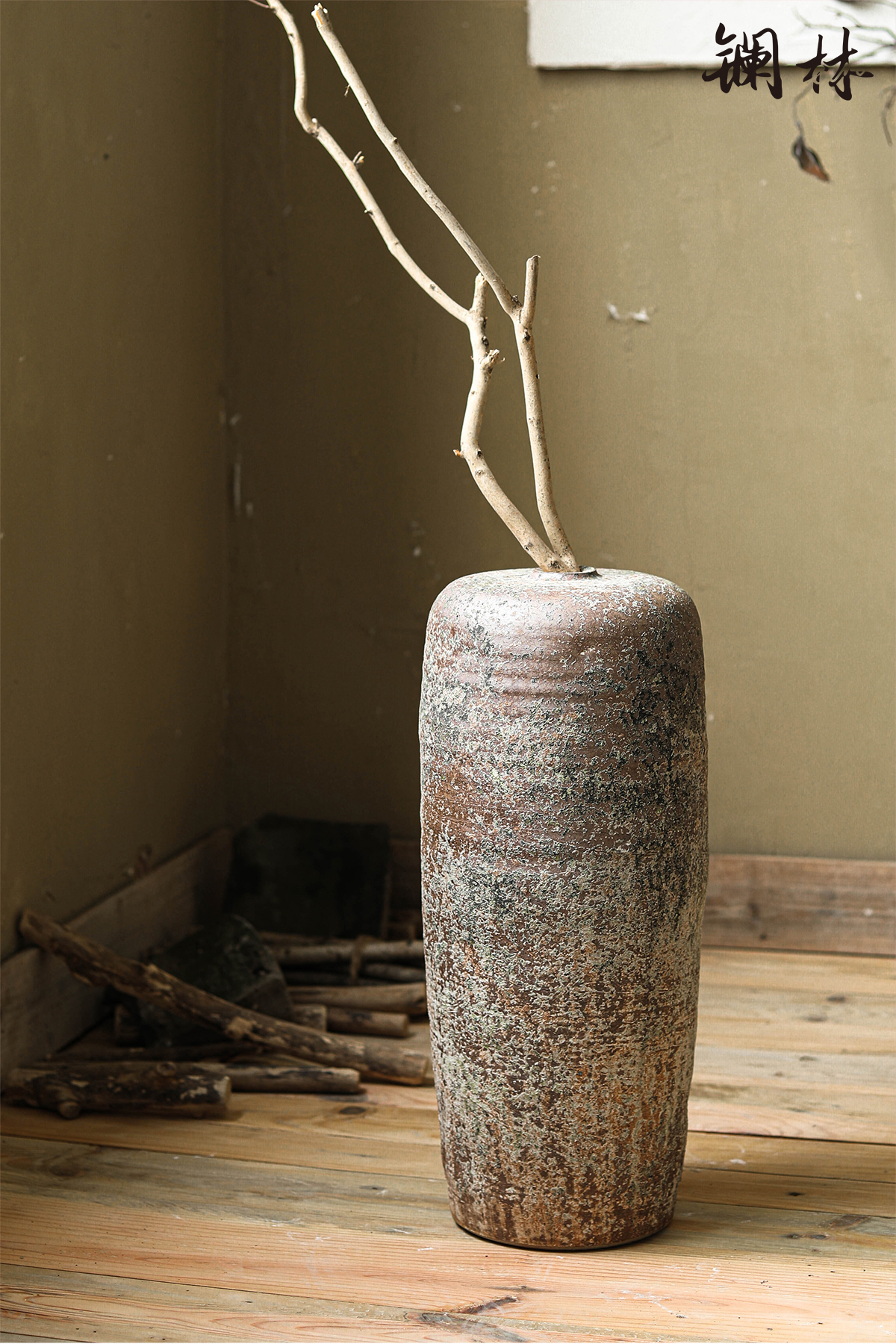 Large coarse pottery vase wabi-sabi wind restoring ancient ways of creative space design flower arranging produce in furnishing articles hotel decoration of home stay facility