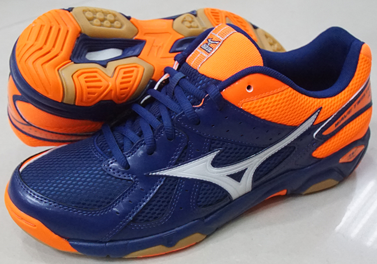 f21cfc791b72 ... Mizuno MIZUNO men and women sports volleyball shoes badminton shoes  V1GA157056 WAVE TWISTER 4 ...