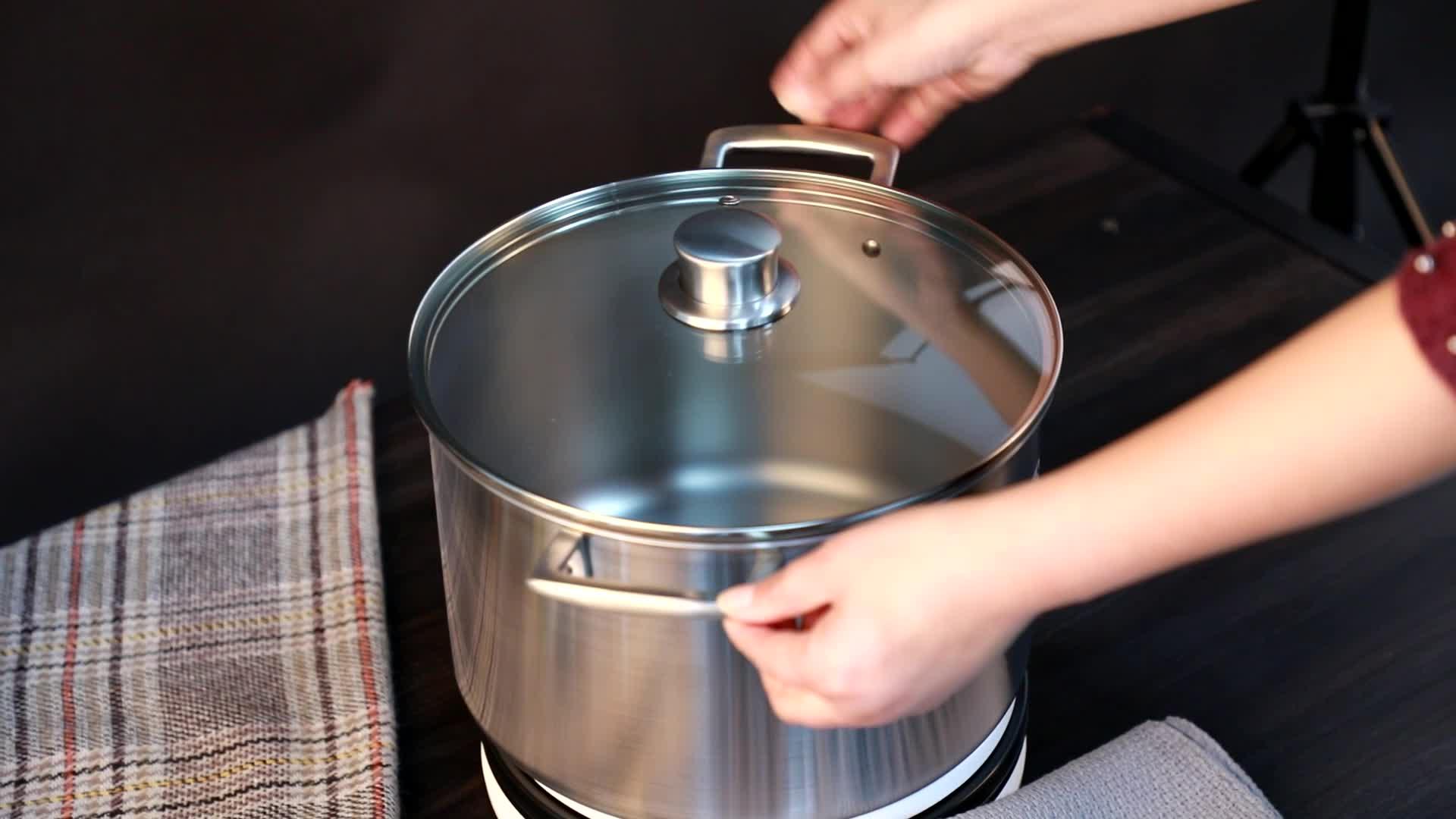 Non stick ผ่าตัดสแตนเลสสตีลไทเทเนียมชุดเครื่องครัว