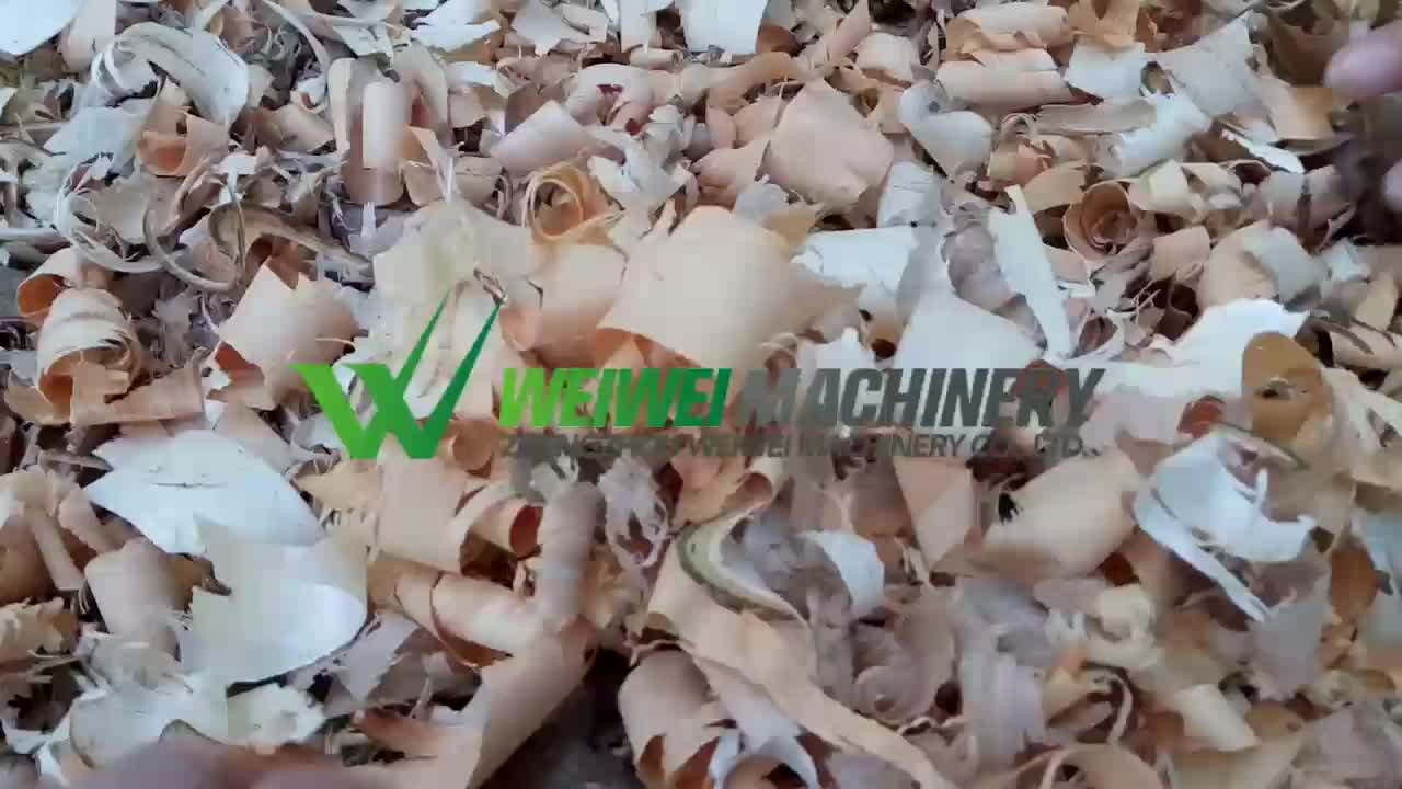 Weiwei machinery factory selling wood shaving making machine price  high efficiency shave pine tree horse bedding