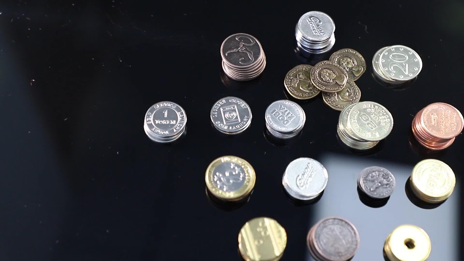 थोक कस्टम आर्केड खेल धातु सोना चांदी टोकन सिक्के