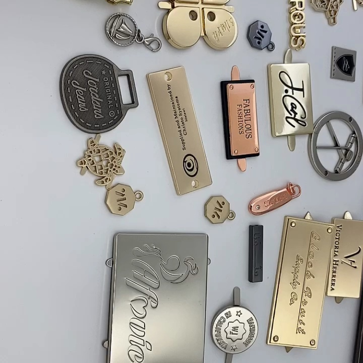 Customized round embossed brand nameplate metal tags handbags gold metal logo badge for handbag/bracelet/metal logo tag