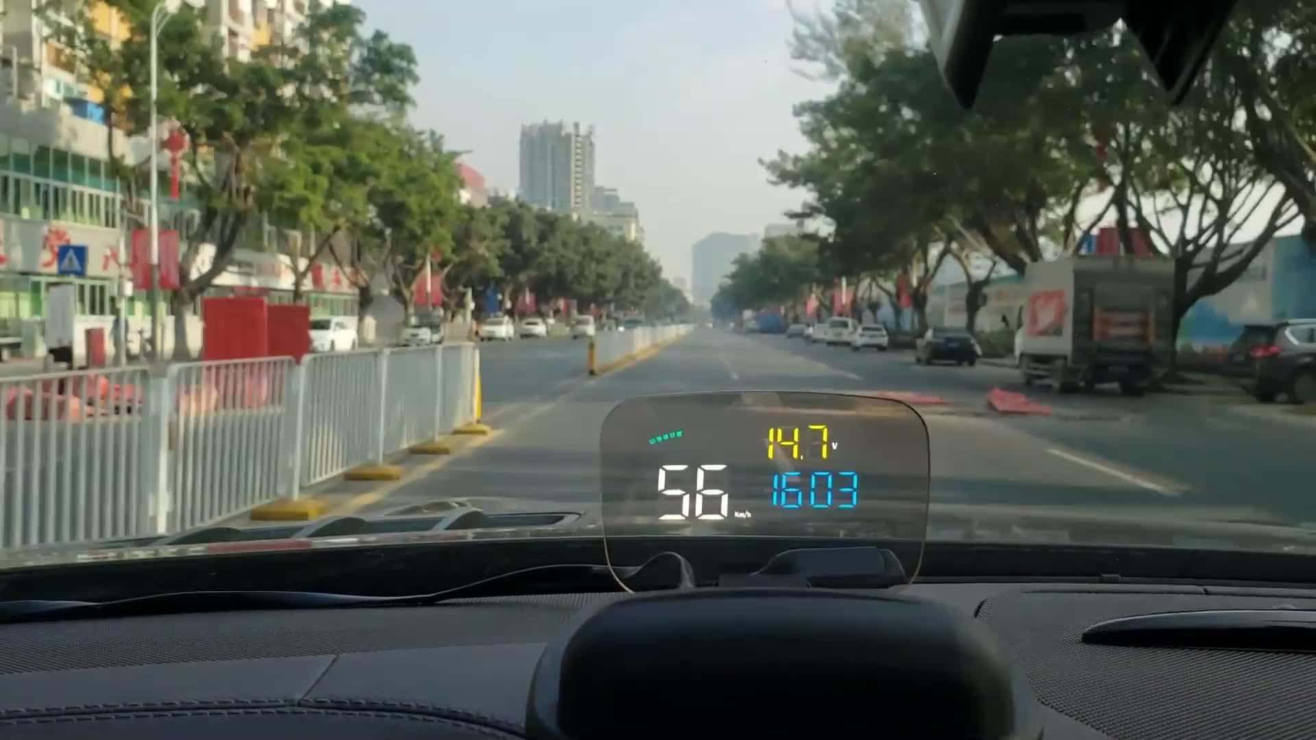 2019 OBD2 + GPS HUD C800 Auto Head Up Display con trasparente bordo di riflessione di lavoro per tutte le auto dalla Cina fabbrica
