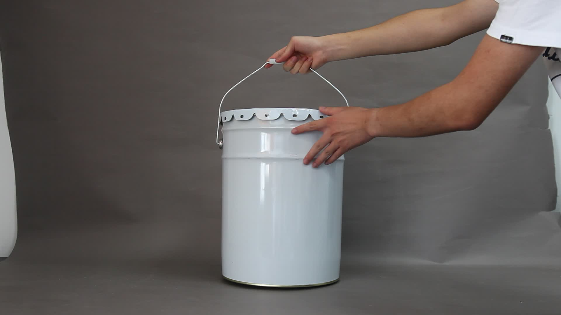 18 liter cheap round white metal paint/chemical bucket/pail/drum/can